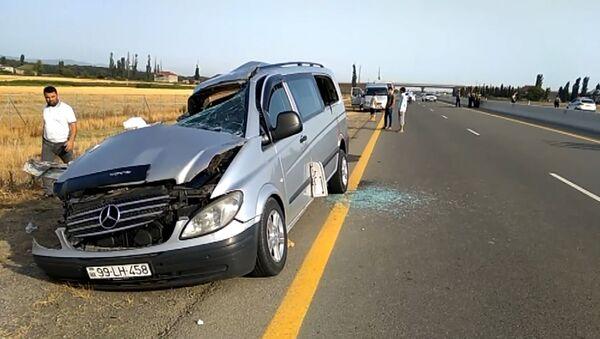 Восемь человек погибли в ДТП с грузовиком в Азербайджане - Sputnik Азербайджан