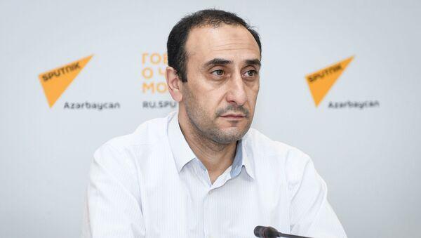 Директор Центра истории Кавказа Ризван Гусейнов - Sputnik Азербайджан