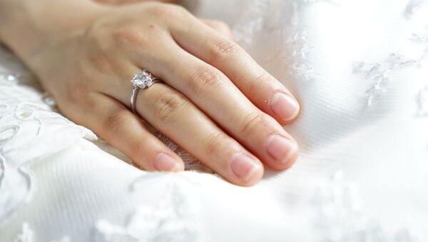 Обручальное кольцо - Sputnik Азербайджан