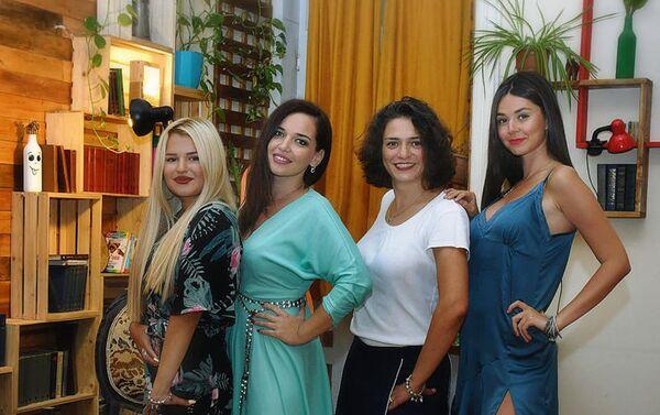 Состоялась премьера спектакля Чего хотят женщины по пьесе Ираны Гасымовой - Sputnik Азербайджан