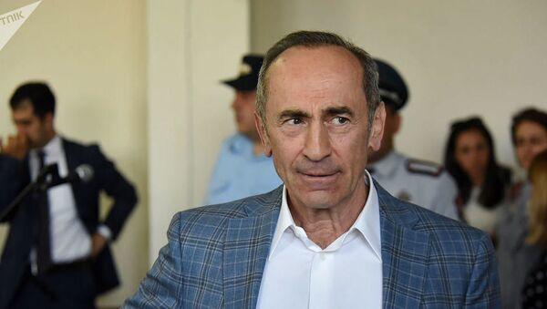 Роберт Кочарян в суде - Sputnik Azərbaycan