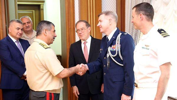 Новый военный атташе США представлен Министру обороны Азербайджана - Sputnik Азербайджан