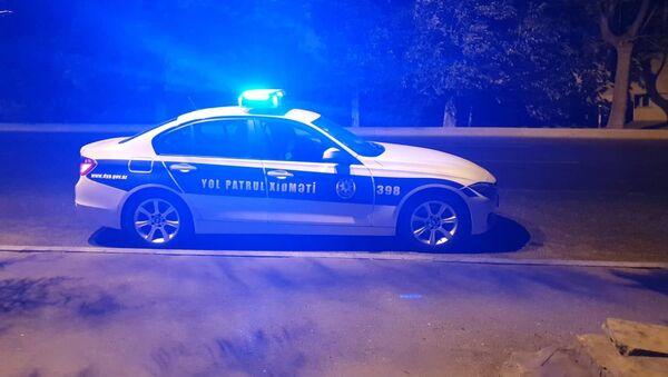 Yol Patrul Xidmətinin maşını gecə reydi zamanı - Sputnik Azərbaycan