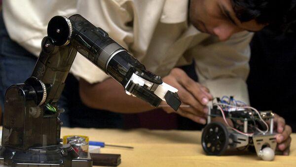 Робот, фото из архива - Sputnik Азербайджан