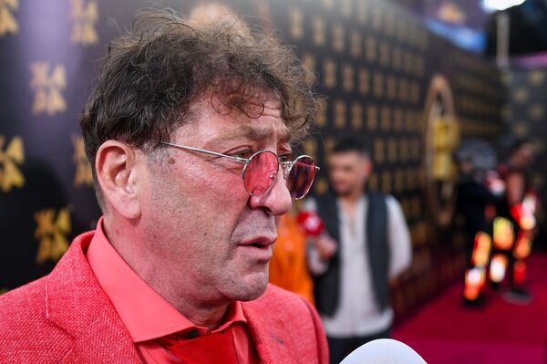 Григорий Лепс на красной дорожке фестиваля Жара-2019 - Sputnik Азербайджан