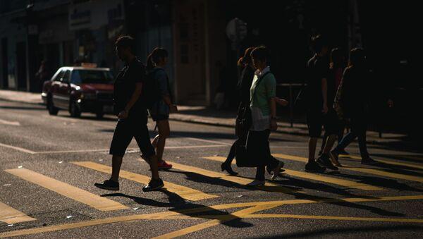 Люди на улице, фото из архива - Sputnik Азербайджан