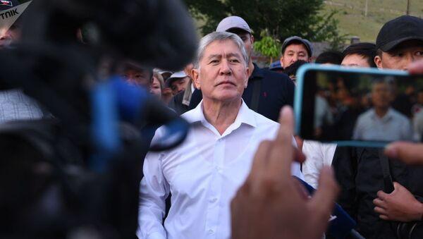 Бывший президент КР Алмазбек Атамбаев - Sputnik Azərbaycan