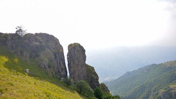 Dəniz səviyyəsindən 2200 metr yüksəklikdə yerləşən Haçaqaya dağı - Sputnik Azərbaycan