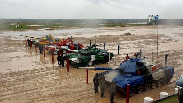 Азербайджанские танкисты еще на одну ступень приблизились к финалу конкурса Танковый биатлон - Sputnik Азербайджан