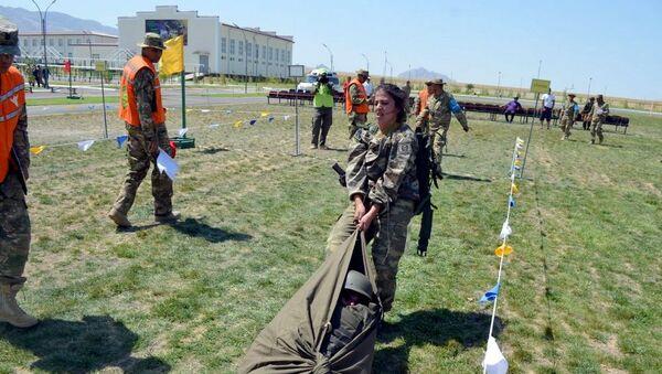 Азербайджанские военные врачи приняли участие в очередном этапе конкурса Военно-медицинская эстафета - Sputnik Азербайджан