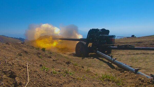 Əlahiddə Ümumqoşun Orduda artilleriya və minaatan bölmələri yoxlanılıb - Sputnik Азербайджан