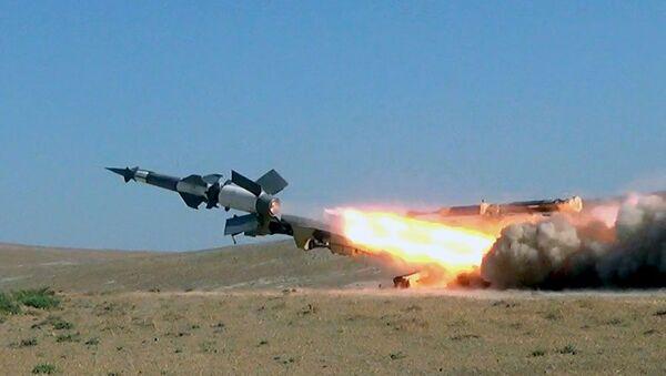 Зенитно-ракетные войска провели учения с боевой стрельбой - Sputnik Азербайджан