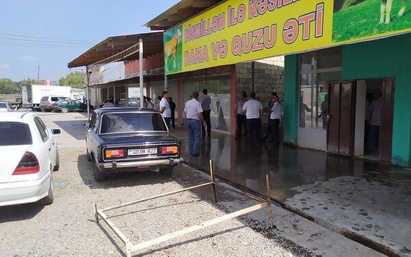 Незаконные пункты забоя, раздела и продажи скота и мяса в Хачмазском районе - Sputnik Азербайджан