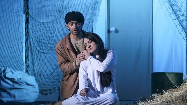 Спектакль О мышах и людях в постановке театра «ƏSA»  - Sputnik Азербайджан