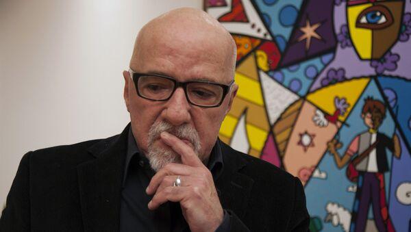 Braziliyalı yazıçı Paulo Koelyo, arxiv şəkli - Sputnik Azərbaycan