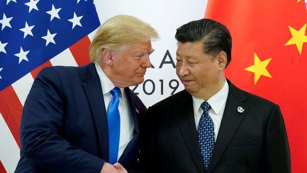 Президент США Дональд Трамп с президентом Китая Си Цзиньпином, фото из архива - Sputnik Азербайджан