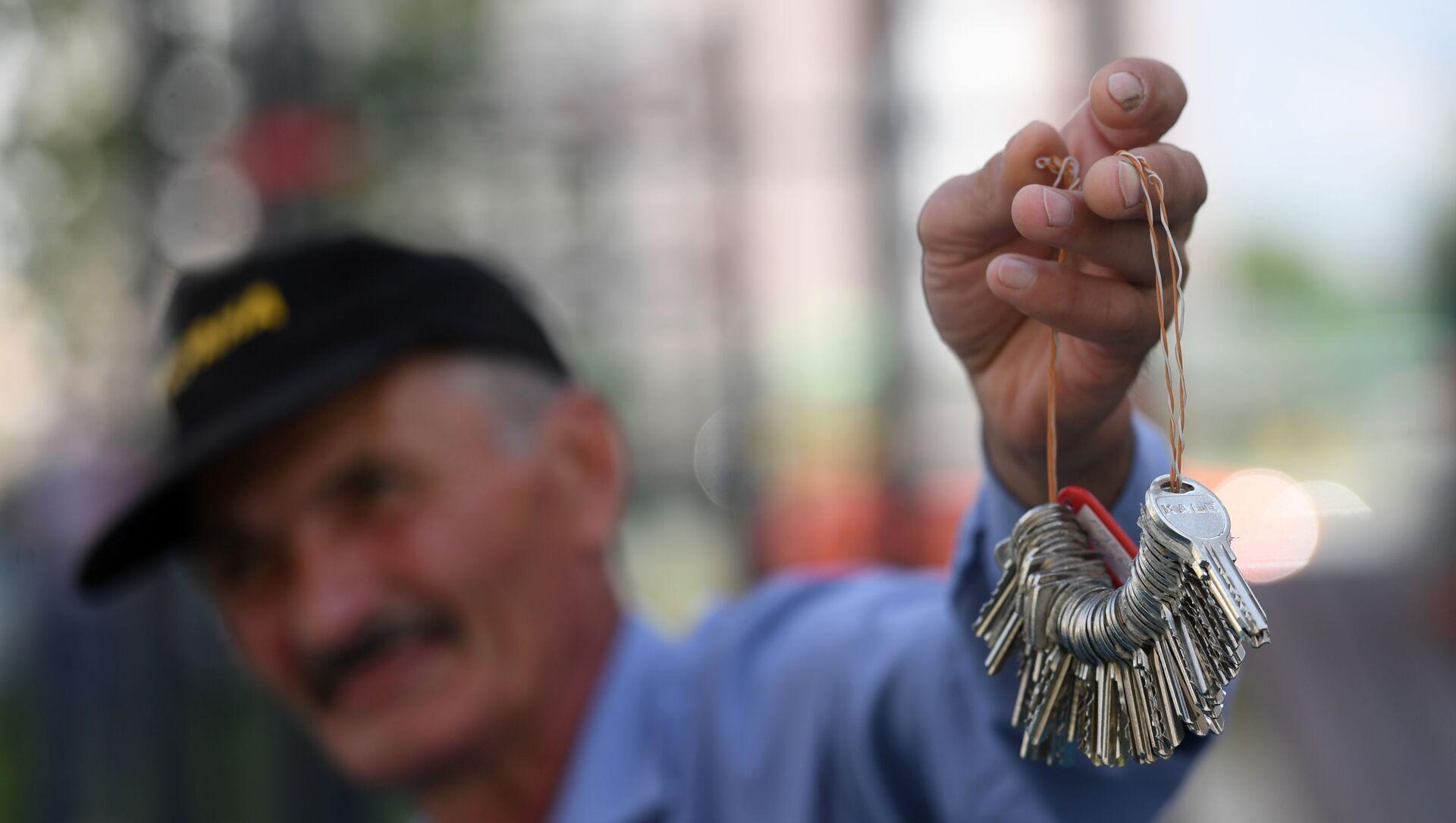 Ключи от квартир многоэтажного жилого дома, фото из архива - Sputnik Azərbaycan, 1920, 03.09.2021