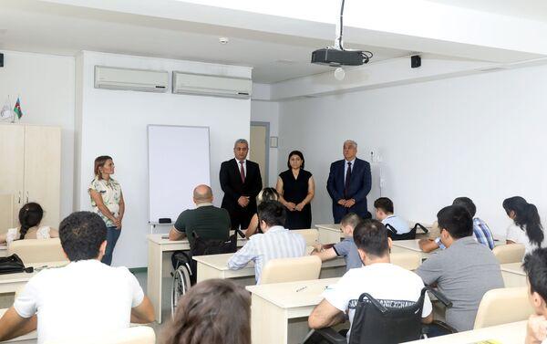 Второй этап обучения участников Программы повышения возможностей занятости лиц с инвалидностью - Sputnik Азербайджан
