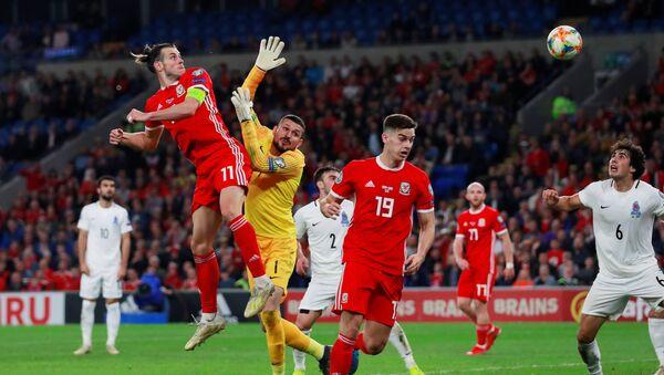 Гарет Бейл забивает гол Азербайджану - Sputnik Азербайджан
