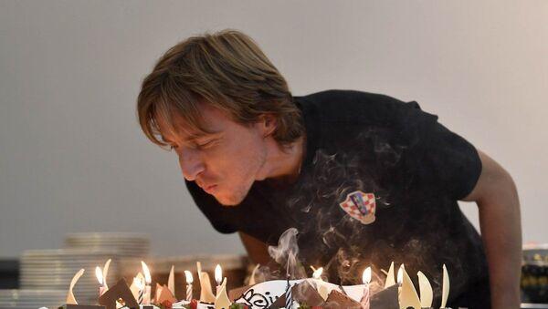 Luka Modriç Bakıda doğum gününü qeyd edib - Sputnik Азербайджан
