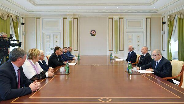 Президент Азербайджана Ильхам Алиев принял губернатора Свердловской области РФ Евгения Куйвашева - Sputnik Азербайджан