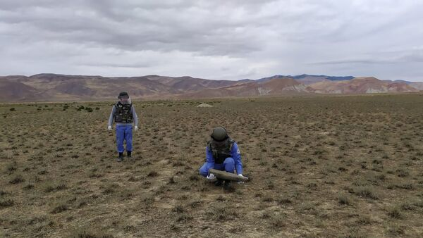 Боеголовка ракеты обнаружена на территории Хызинского района - Sputnik Азербайджан