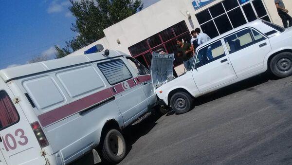 В Барде машина скорой помощи попала в аварию - Sputnik Азербайджан