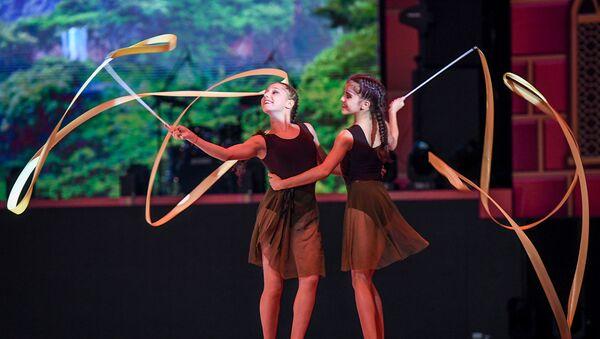 Церемония открытия 37-го Чемпионата Мира по художественной гимнастике на Национальной гимнастической арене в Баку - Sputnik Азербайджан