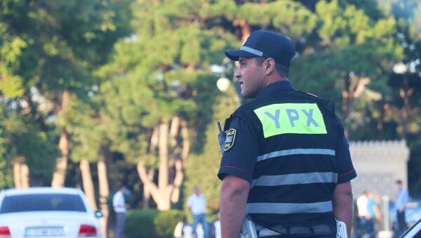 Сотрудник дорожной полиции, фото из архива - Sputnik Азербайджан