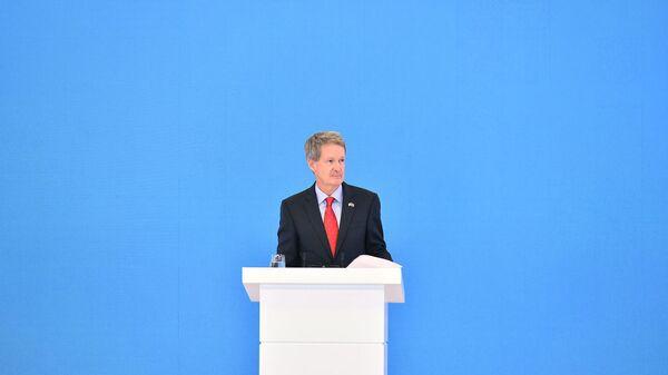 Посол Великобритании в Азербайджане Джеймс Шарп - Sputnik Азербайджан