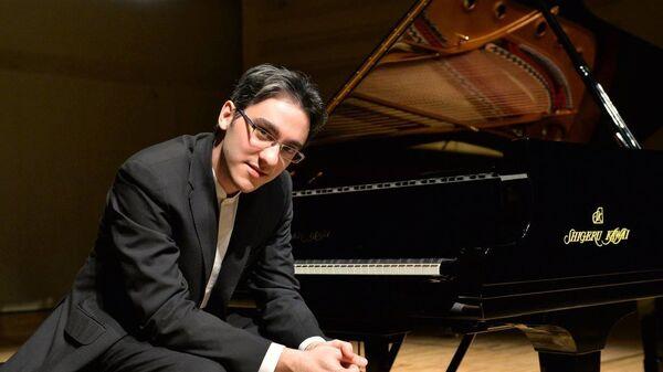 Итальянский пианист азербайджанского происхождения Александр Гаджиев - Sputnik Азербайджан