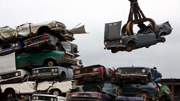 Утилизации автомобилей, фото из архива - Sputnik Azərbaycan