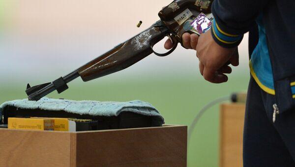 Стрельба из скоростного пистолета с 50 метров, фото из архива - Sputnik Азербайджан