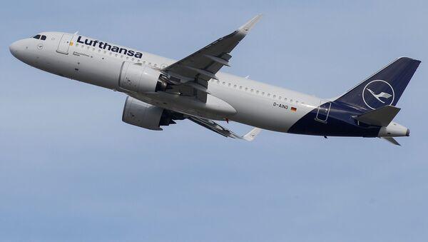 Аэробус Lufthansa A320, фото из архива - Sputnik Азербайджан