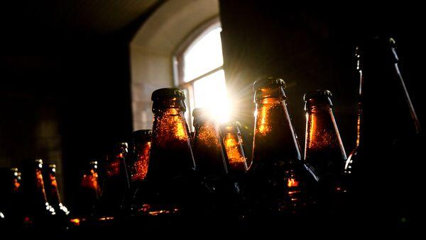 Бутылки для напитков, фото из архива - Sputnik Азербайджан