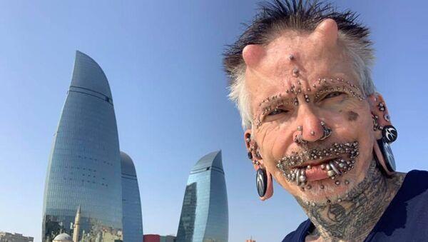 Alman turist Rolf Buccholz - Sputnik Азербайджан