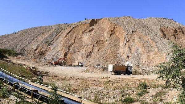 Вид на рудно-фосфатный карьер, фото из архива - Sputnik Азербайджан