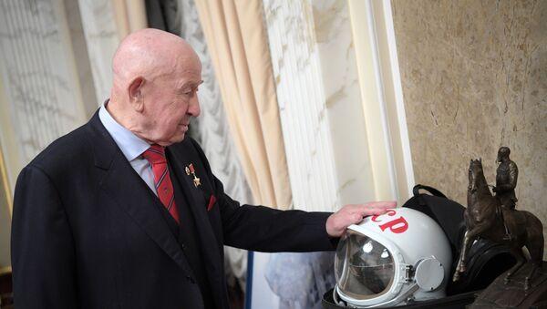 Космонавт Алексей Леонов, фото из архива - Sputnik Азербайджан