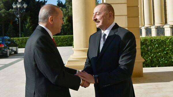 Президент Азербайджана Ильхам Алиев и Президент Турции Реджеп Тайип Эрдоган, фото из архива - Sputnik Азербайджан