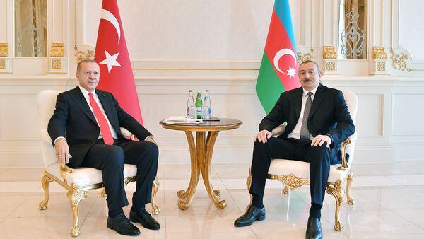 Президент Азербайджана Ильхам Алиев и Президент Турции Реджеп Тайип Эрдоган - Sputnik Азербайджан