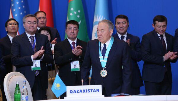 Qazaxıstan Respublikasının birinci Prezidenti Nursultan Nazarbayev - Sputnik Azərbaycan