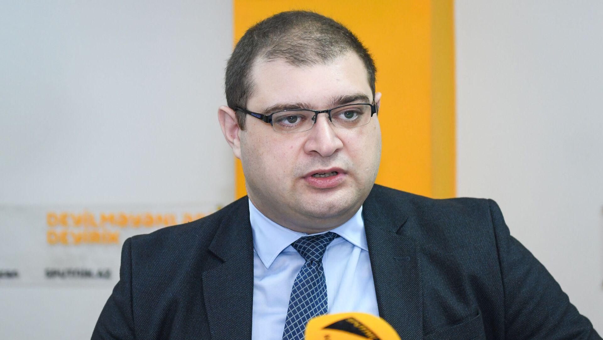 Директор Кавказского центра политического анализа Ахмед Алили - Sputnik Азербайджан, 1920, 22.09.2021