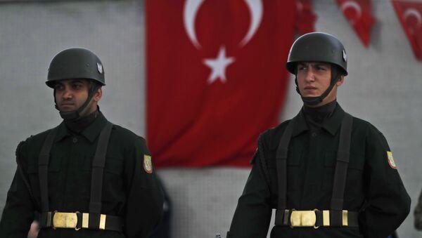 Турецкие солдаты, фото из архива - Sputnik Azərbaycan