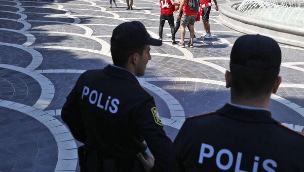 Сотрудники полиции в Баку, фото из архива - Sputnik Azərbaycan