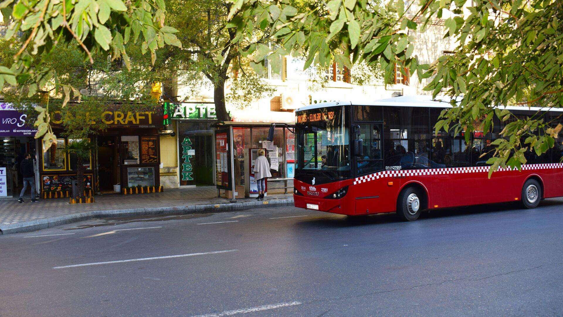 Автобусы в Баку, фото из архива - Sputnik Азербайджан, 1920, 24.09.2021