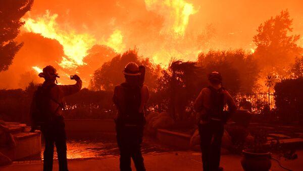 Лесные пожары в калифорнии - Sputnik Azərbaycan