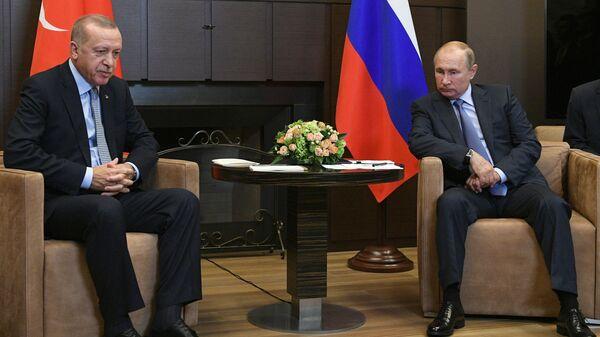 Президент России Владимир Путин и президент Турции Реджеп Тайип Эрдоган - Sputnik Азербайджан