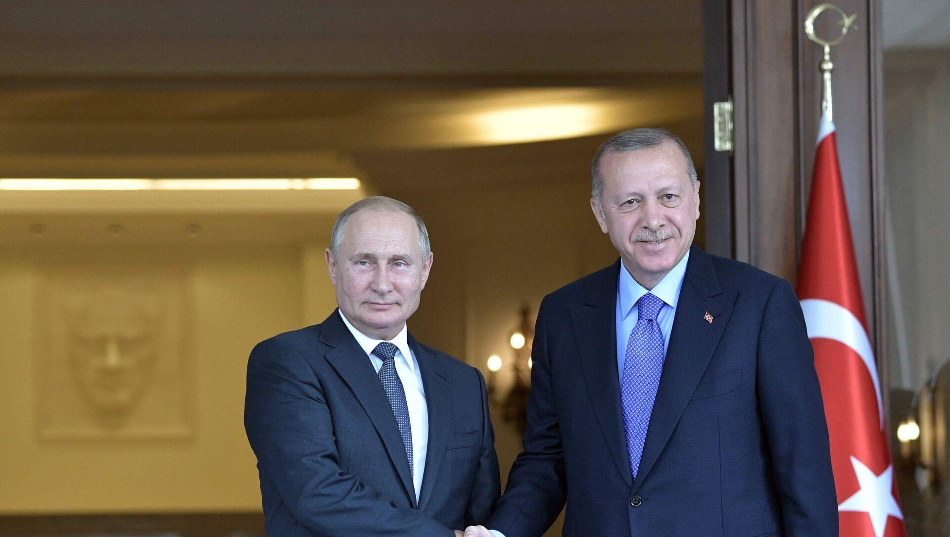 Президент РФ Владимир Путин и президент Турции Реджеп Тайип Эрдоган во время встречи, фото из архива - Sputnik Азербайджан, 1920, 17.06.2021
