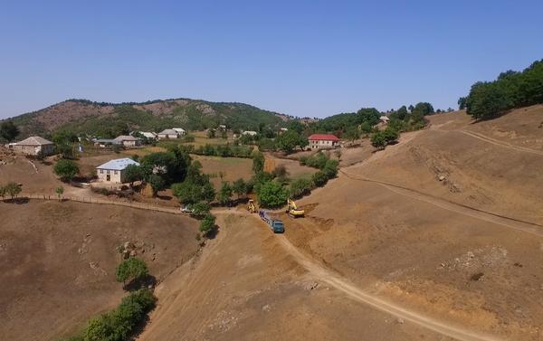 В Товузе строится новая дорога методом буровзрывных работ - Sputnik Азербайджан