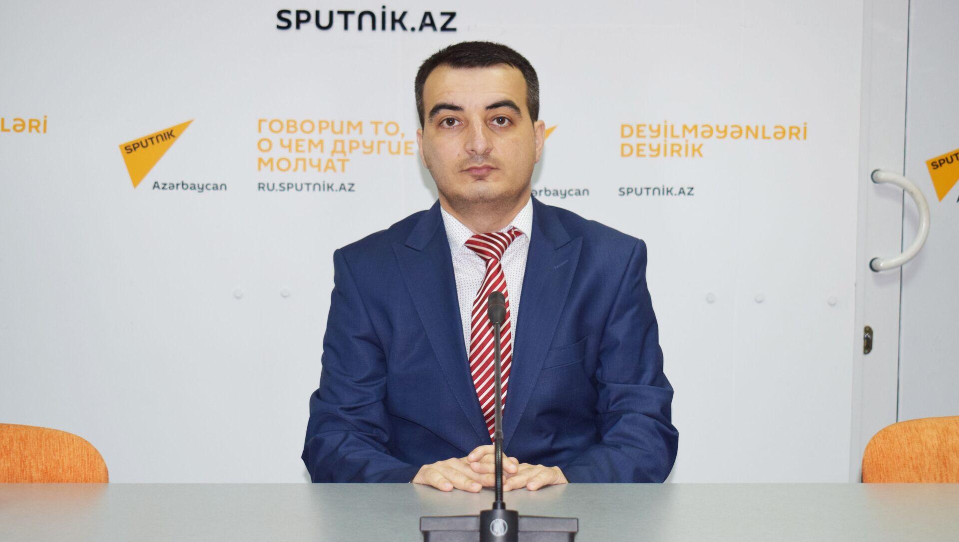Политолог Ильяс Гусейнов  - Sputnik Азербайджан, 1920, 20.09.2021
